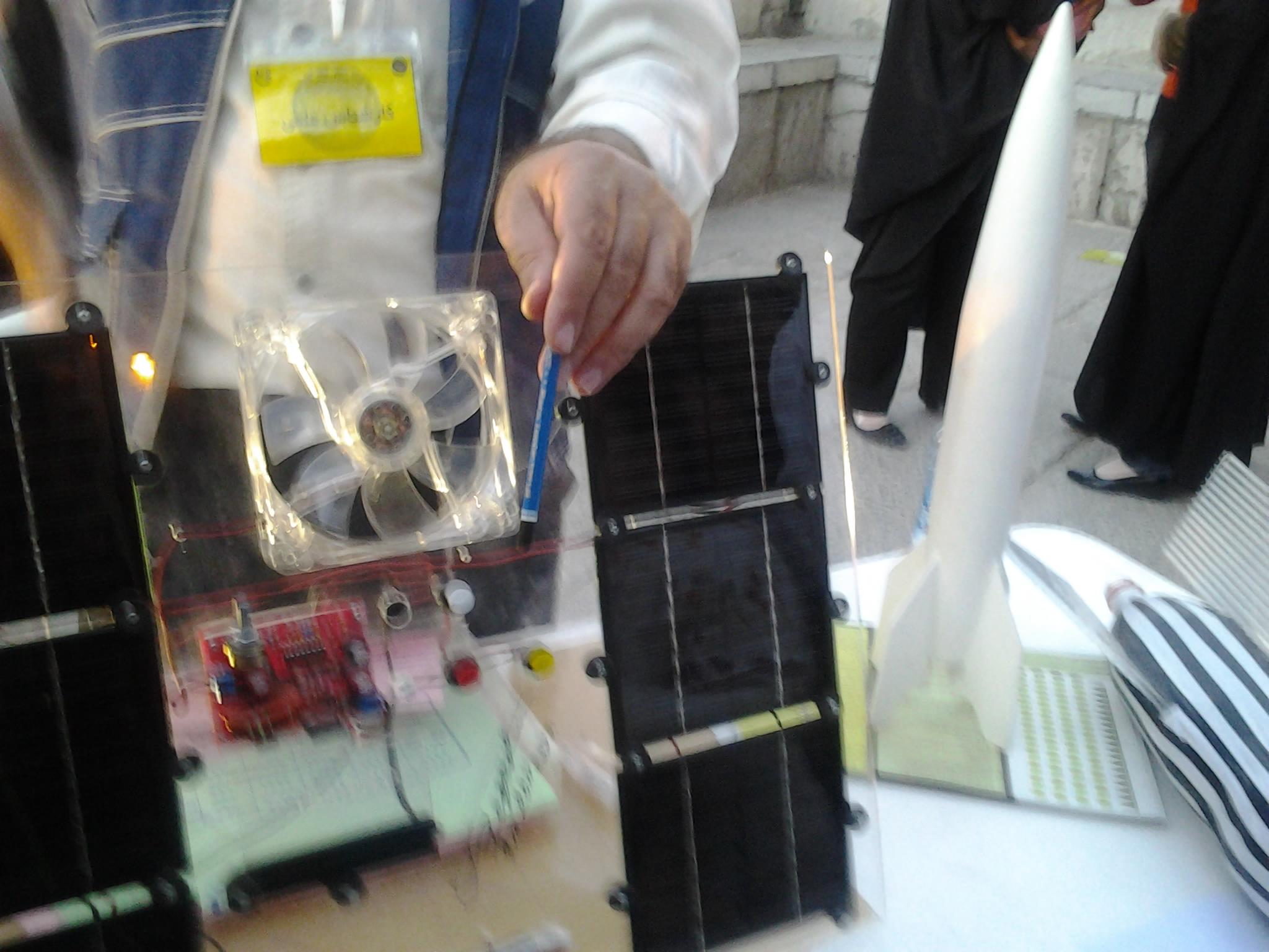 غرفه سلول خورشیدی و ماهواره ها